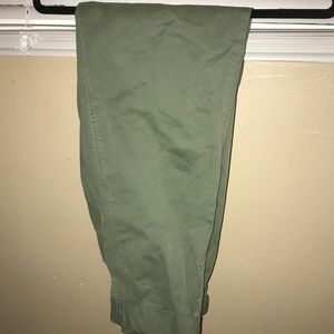 Olive green Capri pants size four in for women